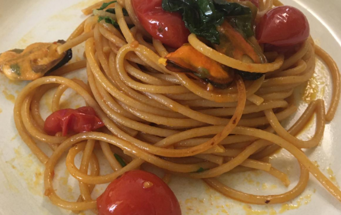 spaghettone dieciprimi cozze e pomodorini
